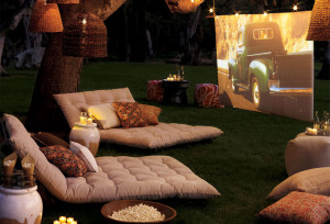 Backyard-Movie-Night-Party-Decorations