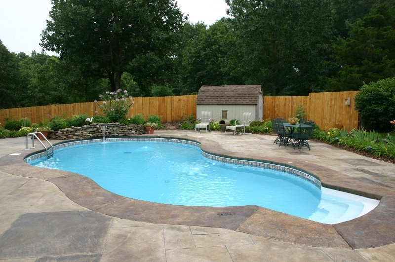 Northwest Arkansas Saltwater Pool Vs Chlorine Pool Oklahoma