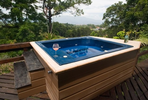 Tips for Enjoying Your Hot Tub in Winter